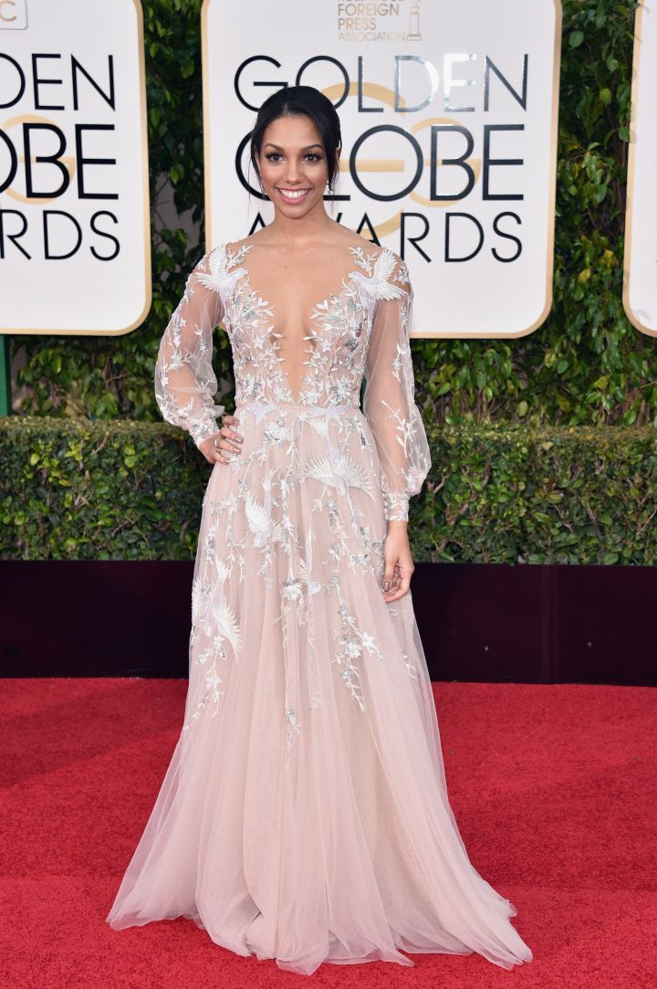 Miss Golden Globes Corinne Foxx dazzles on the red carpet of the 2016 Golden Globe Awards.