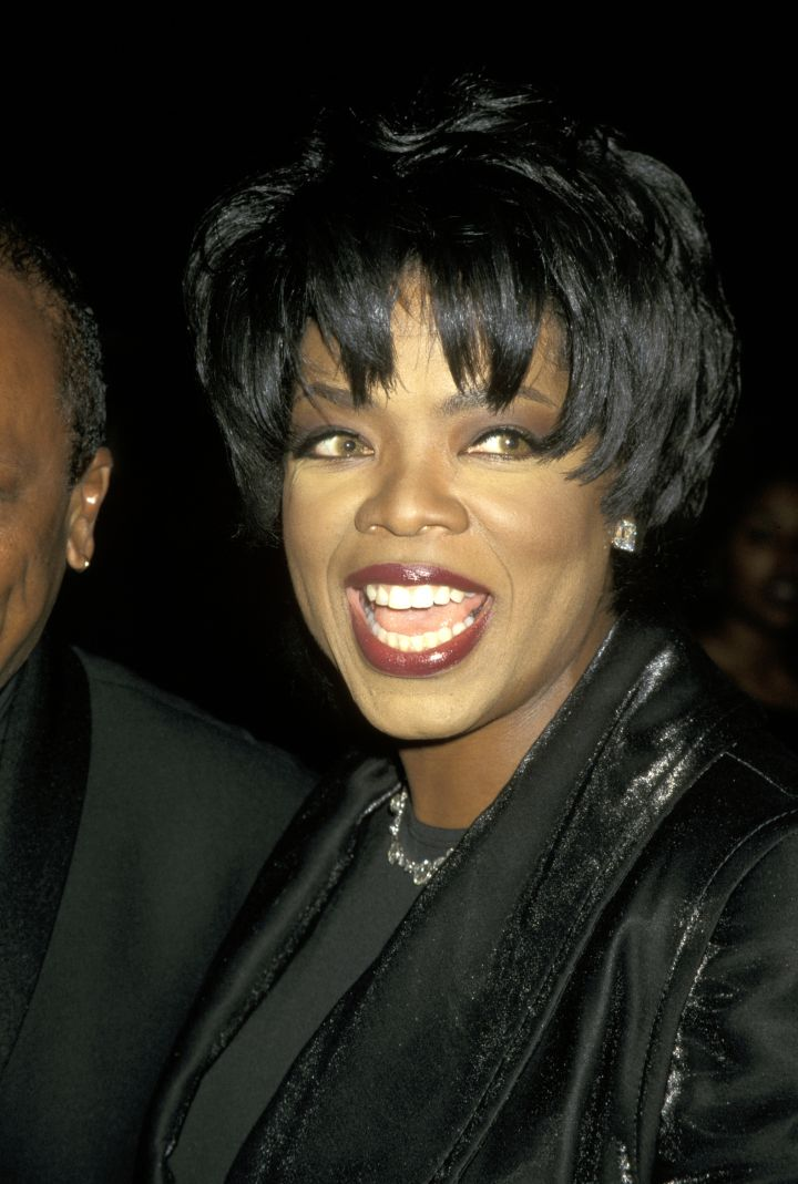 Looks like Oprah rocked the chic bowl cut before RiRi became known for it.