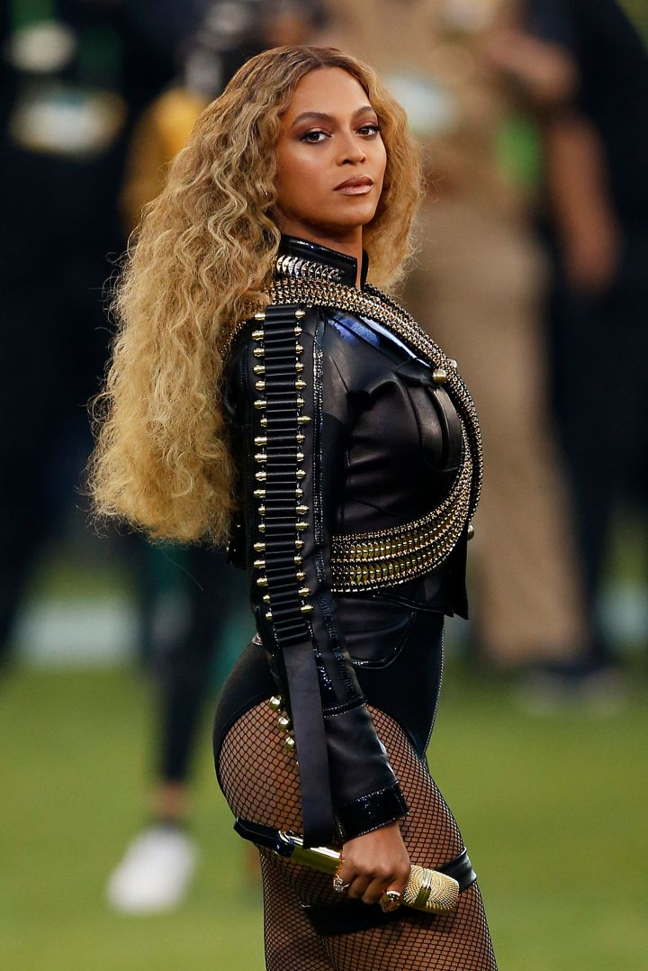 Bey channeling Michael Jackson and Black Panthers at the Superbowl