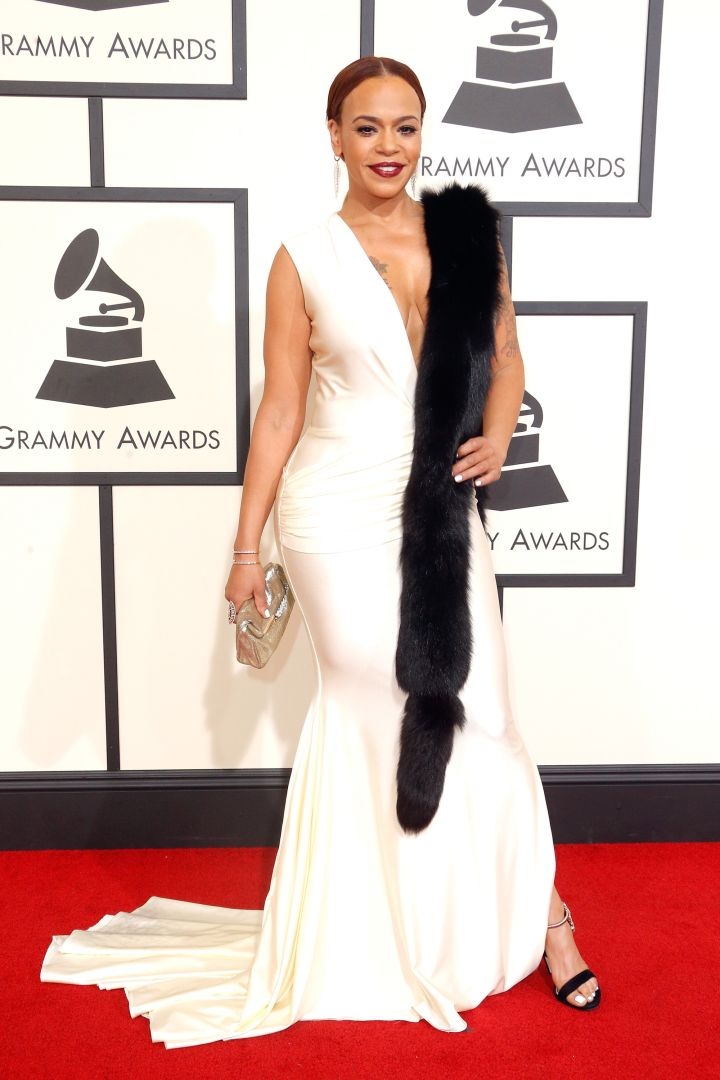 Faith Evans in classic black and white.
