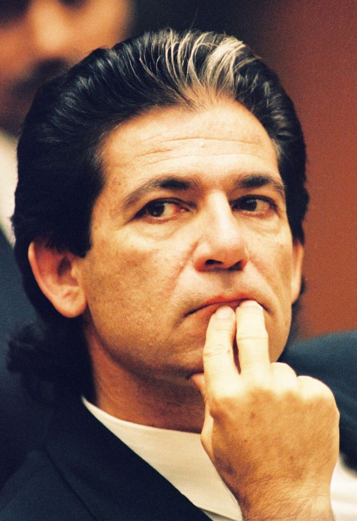Robert Kardashian sits through trial.