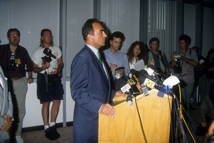 Robert Shapiro reads O.J.'s damning letter to the press.