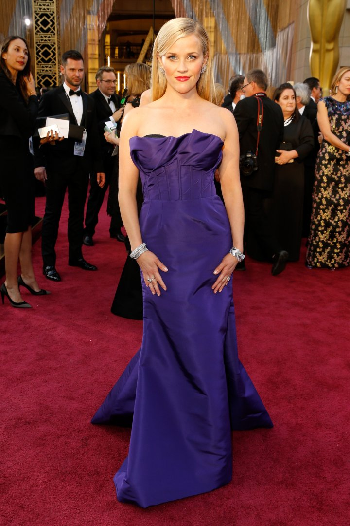 Reese Witherspoon also opts for purple.
