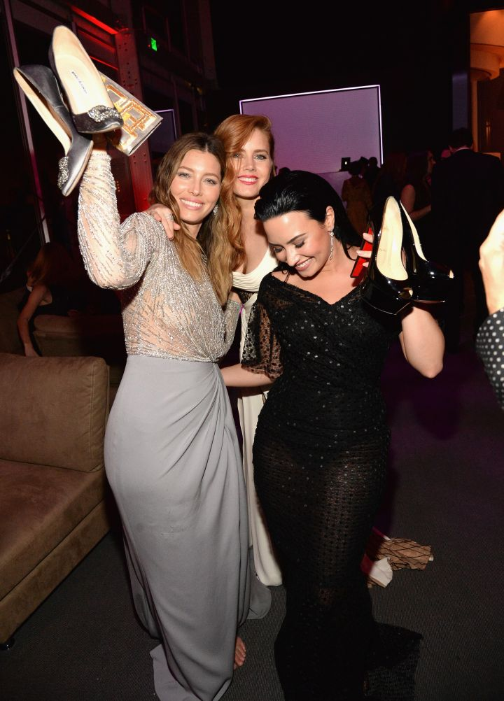 Jessica Biel, Amy Adams, and Demi Lovato got a little ratchet at the 2016 Vanity Fair Oscar Party by taking their shoes off and enjoying themselves.