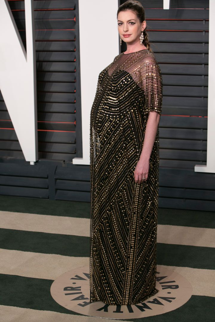 Mommy-to-be Anne Hathaway definitely has the glow.