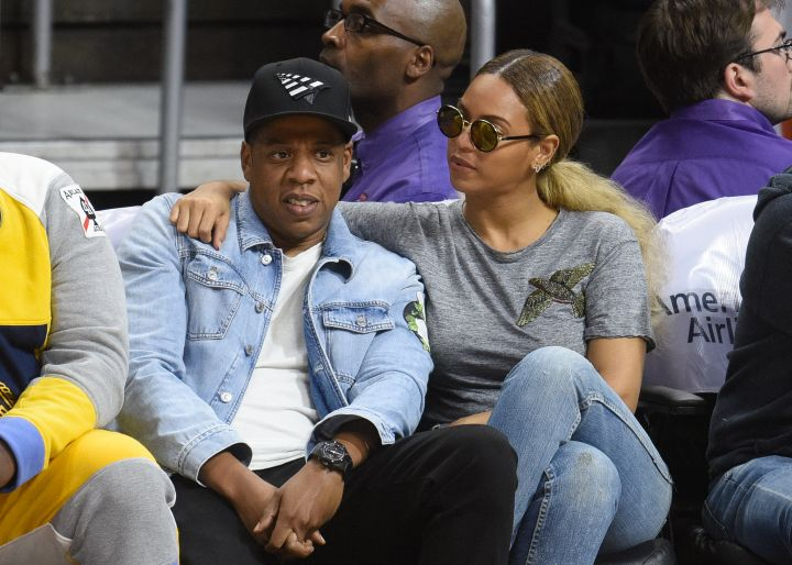 Jay And Bey Hugged Up At The Nets Game