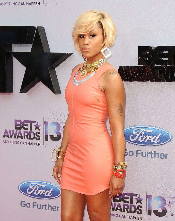 Were you feeling her platinum blonde locks?