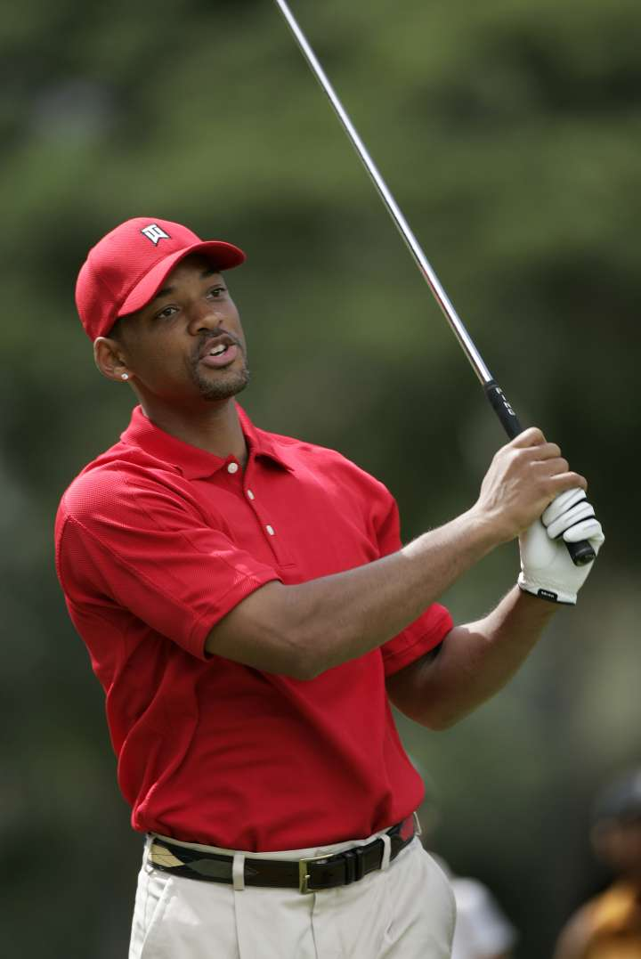Will Smith plays some golf