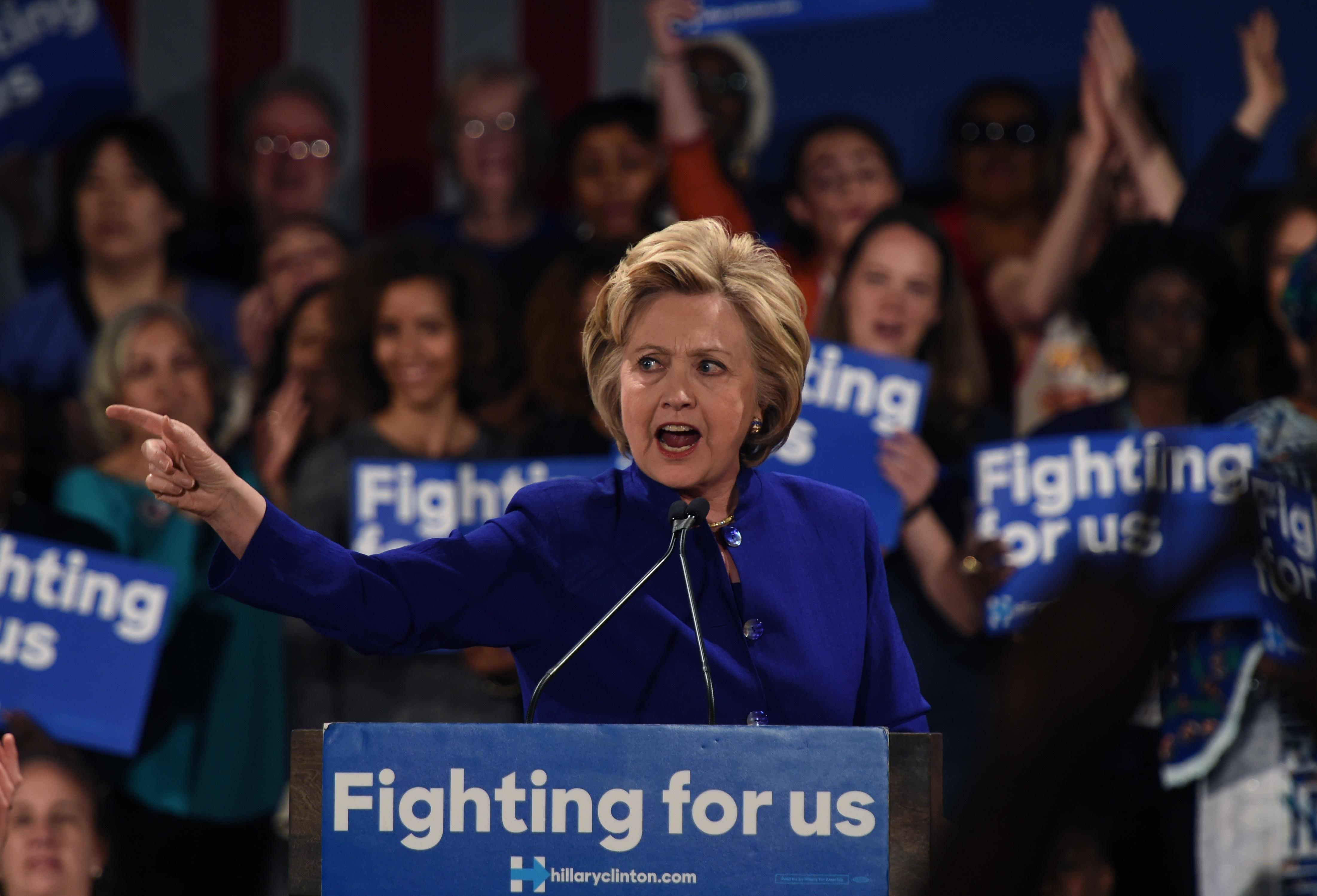 US-VOTE-DEMOCRATS-CLINTON-POLITICS