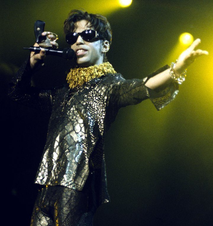 Prince performs at Shoreline Amphitheatre on October 10, 1997 in Mountain View, California.