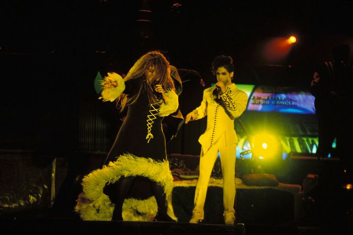 Prince performs with Rosie Gaines in Australia