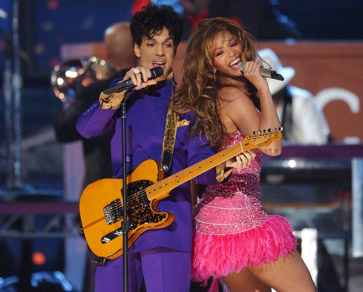 Performer extraordinaire Beyonce has obvious influences on her stage presence from The Purple One