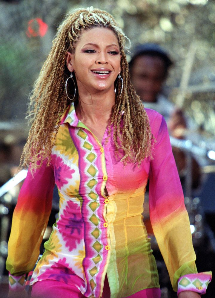 Beyonce goes curly
