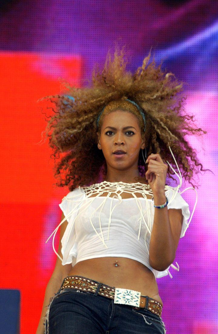 Beyonce rocks some natural hair