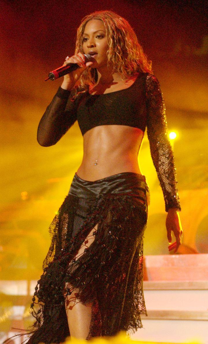 Beyonce rocks the midriff