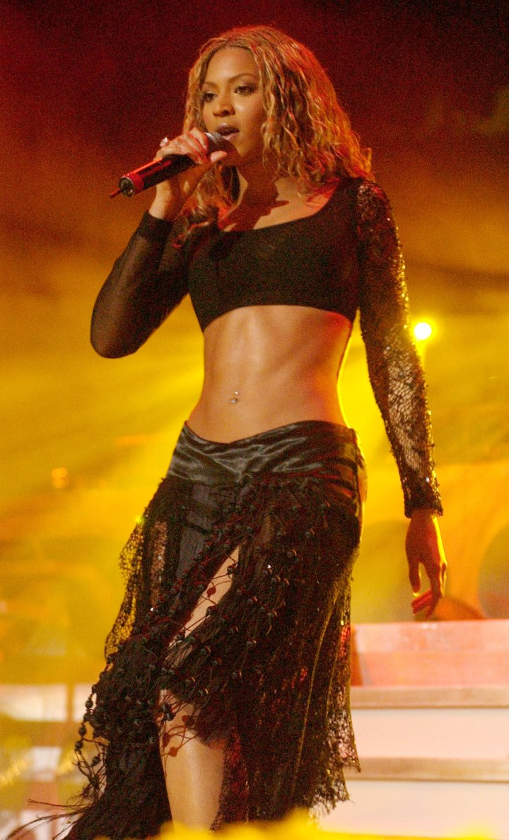 Beyonce rocks the midriff