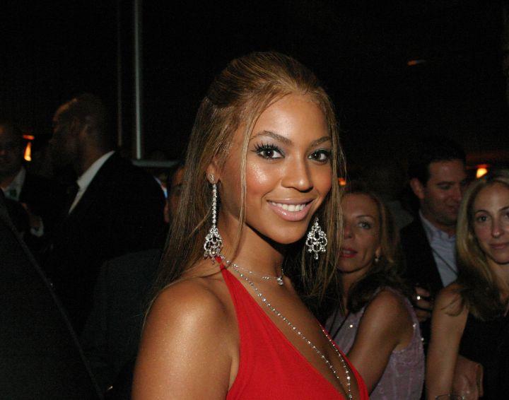 Bronze goddess Beyonce