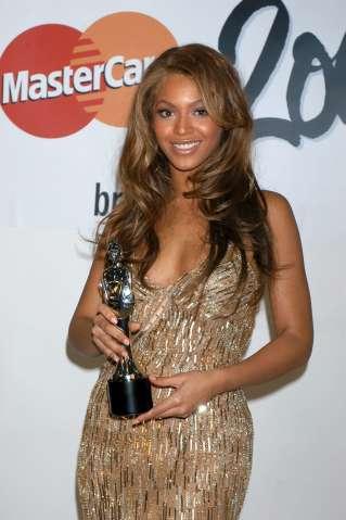 The Brit Awards, Earls Court, London, Britain - 17 Feb 2004