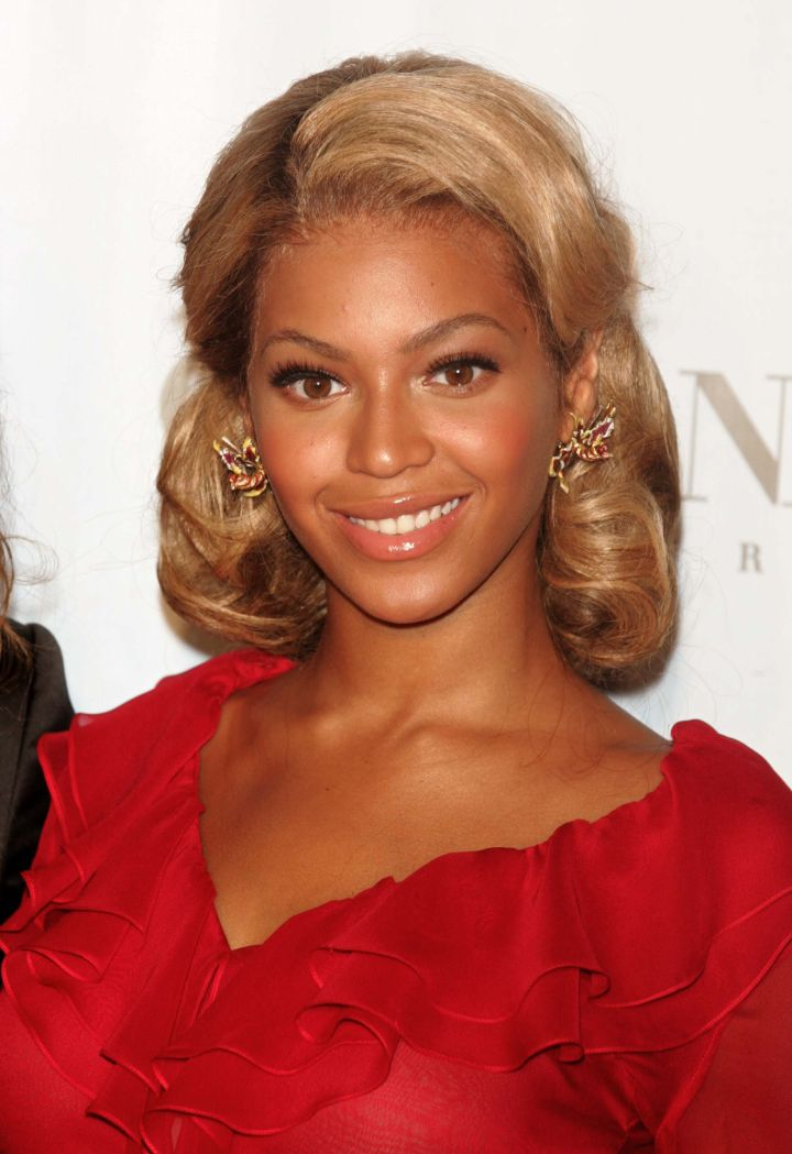 Bey is a lady in red