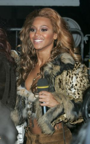 Destiny's Child Arrives Outside MTV's Times Square Studios - November 8, 2004