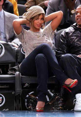 Celebrities Attend New York Knicks Vs New Jersey Nets Game - April 16, 2007