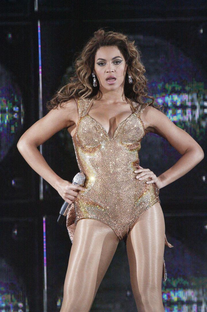 Bey unleashes Sasha Fierce