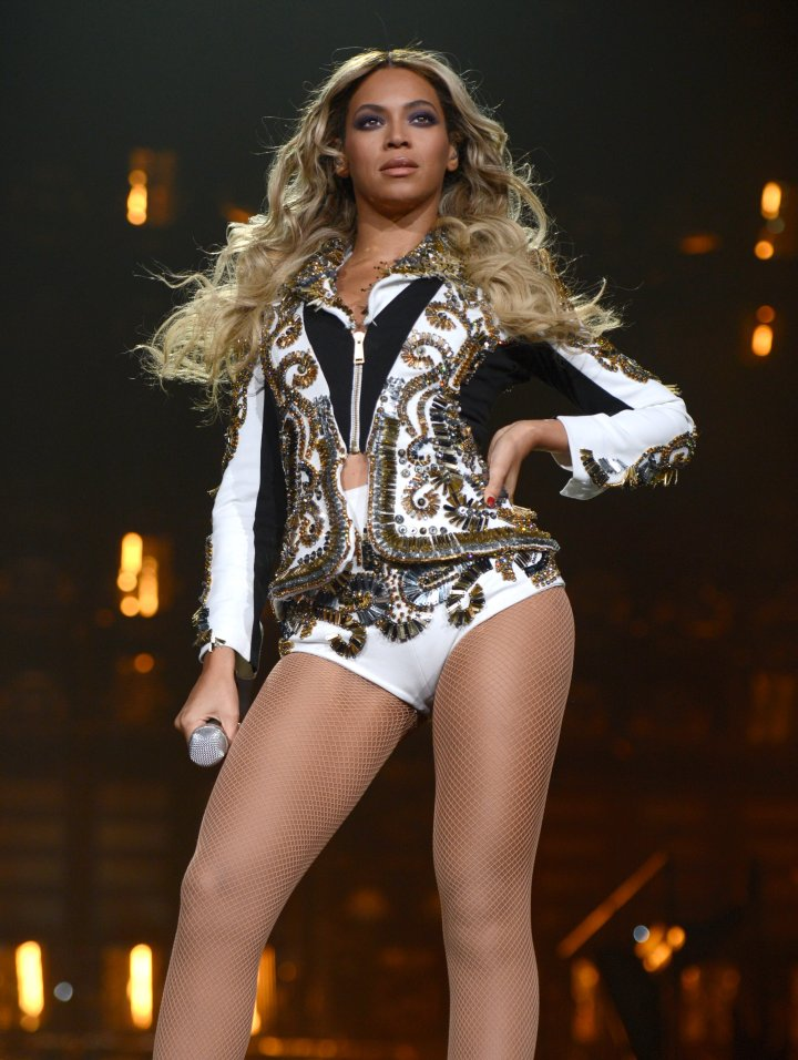 Beyonce goes print crazy in this stage outfit