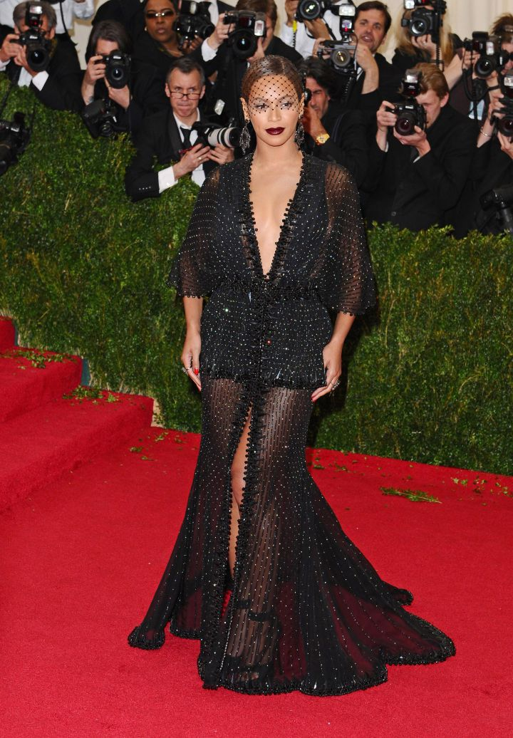 Bey rocks a lace veil on the red carpet