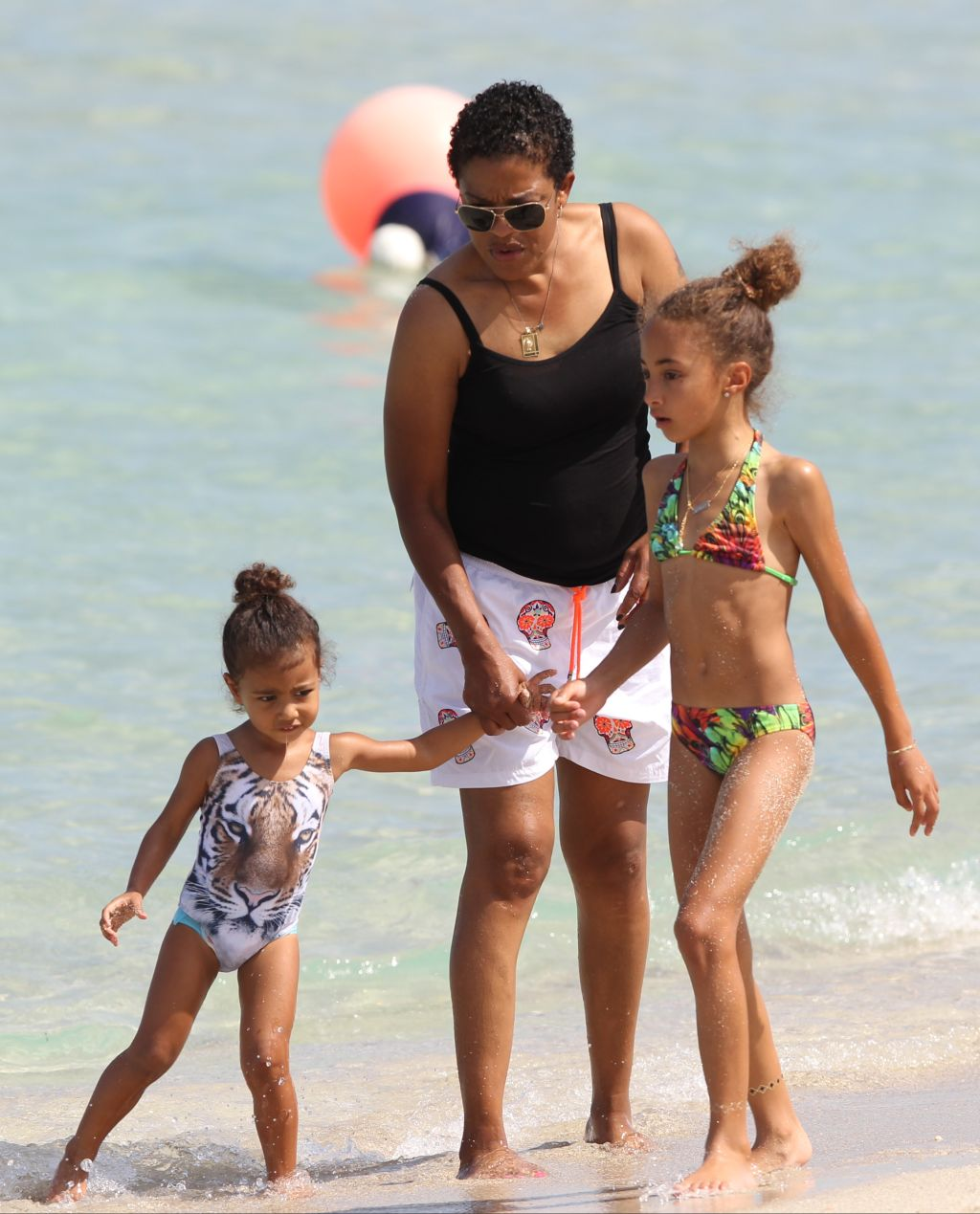 Kim Kardashian, North West, Kanye West, Kourtney Kardashian, Penelope Disick in Miami