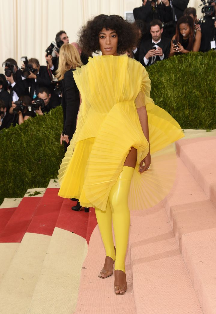 Solange is out here making a statement.
