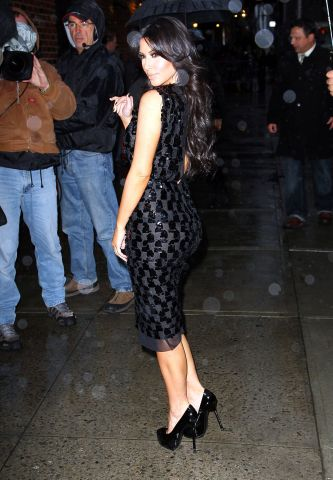 Celebrities Visit 'Late Show With David Letterman' - January 18, 2011