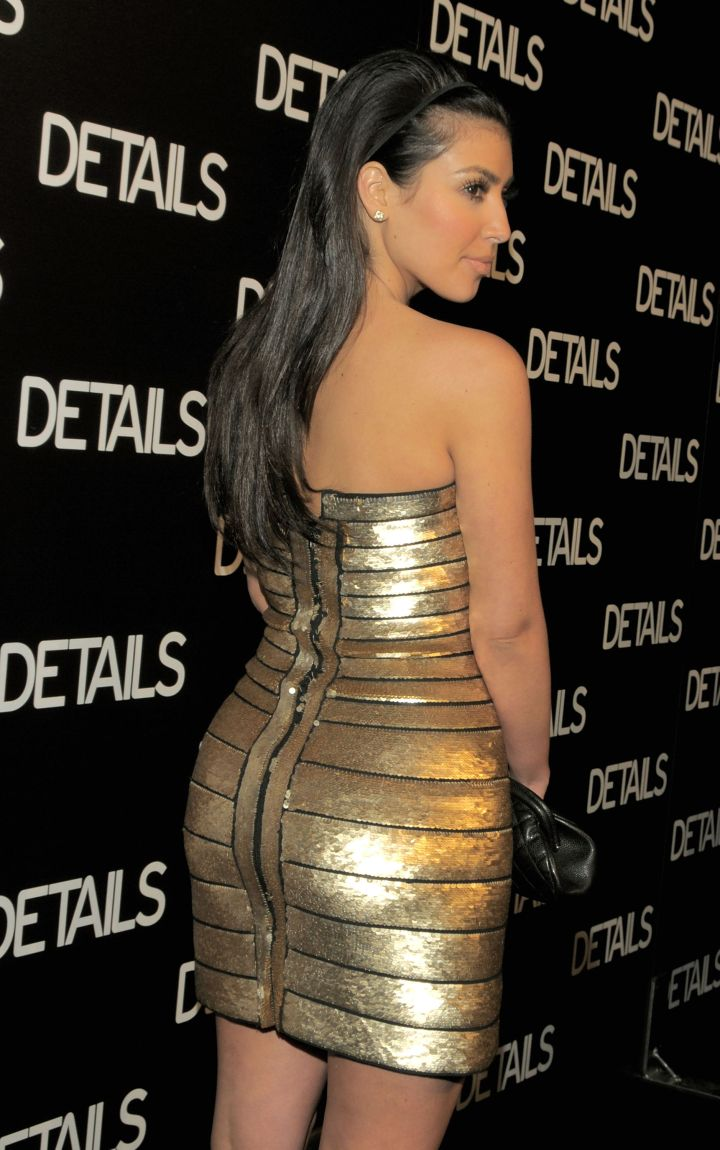 Golden booty hitting another yet red carpet.