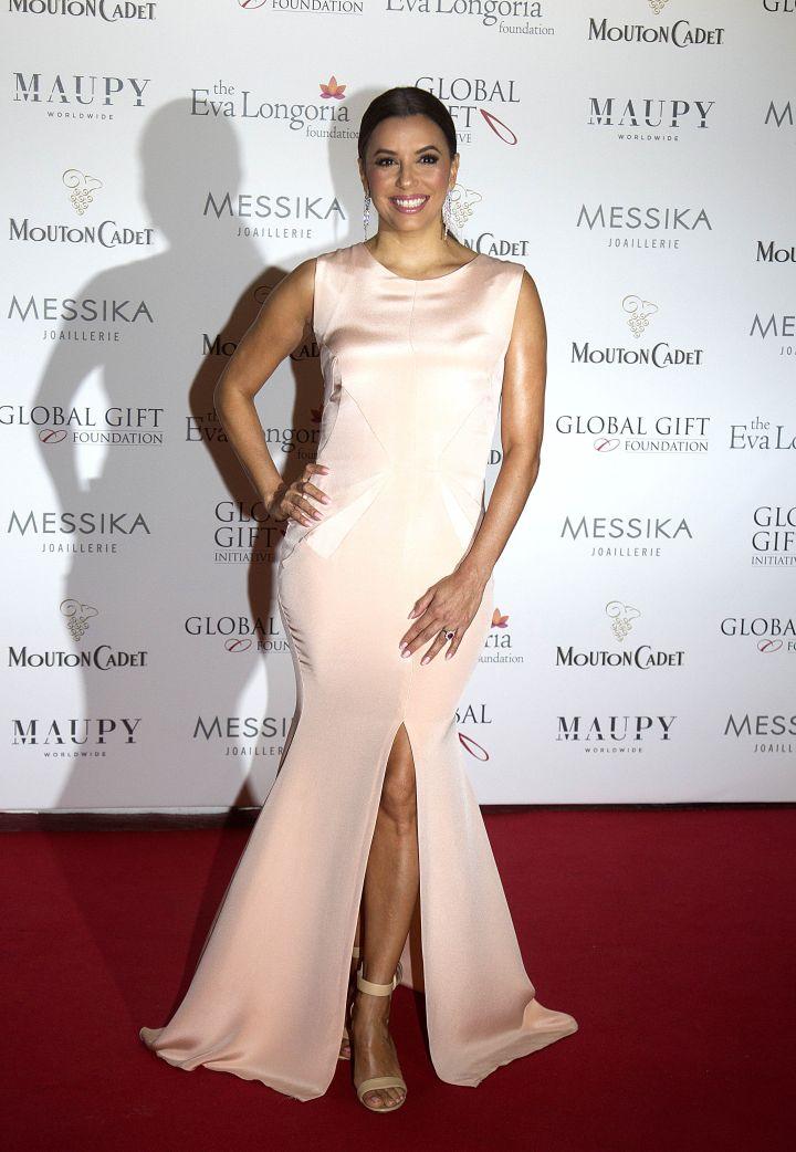 Eva Longoria flashed a smile at the Global Gift Gala.