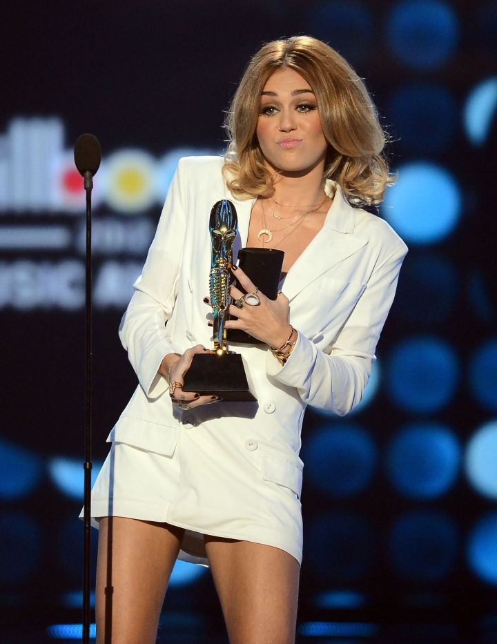 Miley Cyrus accepted her award in 2012 – before she revealed her hippie-inspired, tongue-wagging persona.