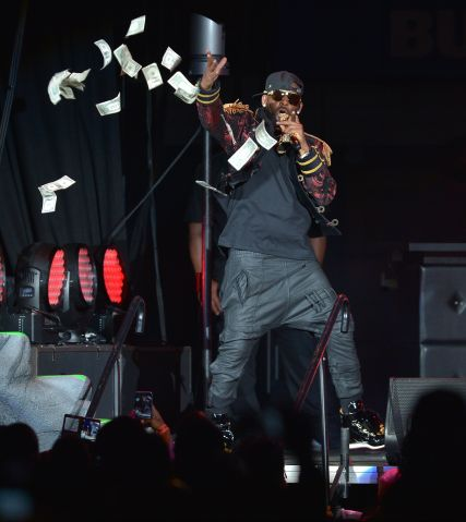 R Kelly Performs At American Airlines Arena