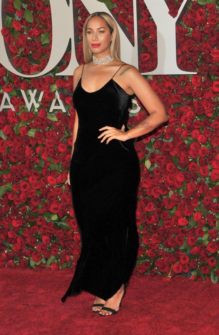Singer Leona Lewis was classic in black.