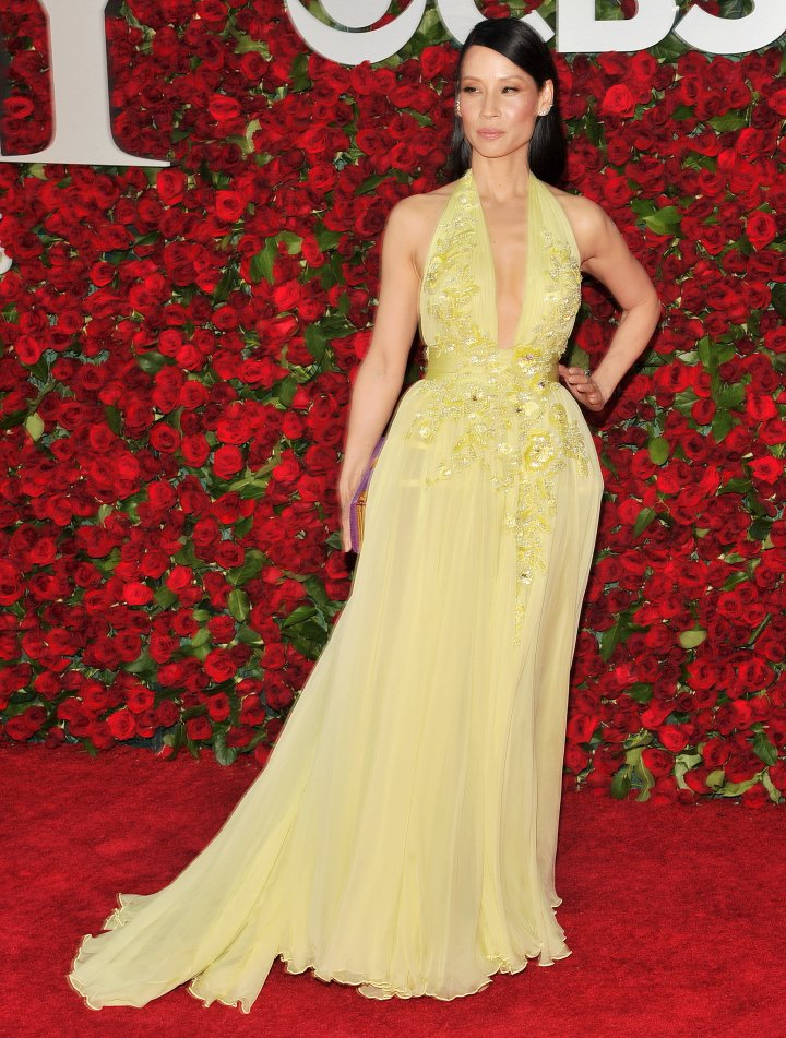 Actress Lucy Liu went for the lemonade look.