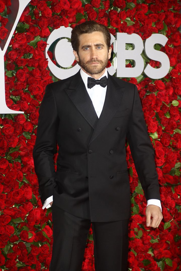 Actor Jake Gyllenhaal went for a classic tux.