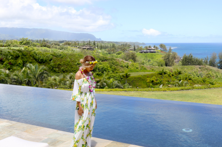 Beyonce in all her island glory.
