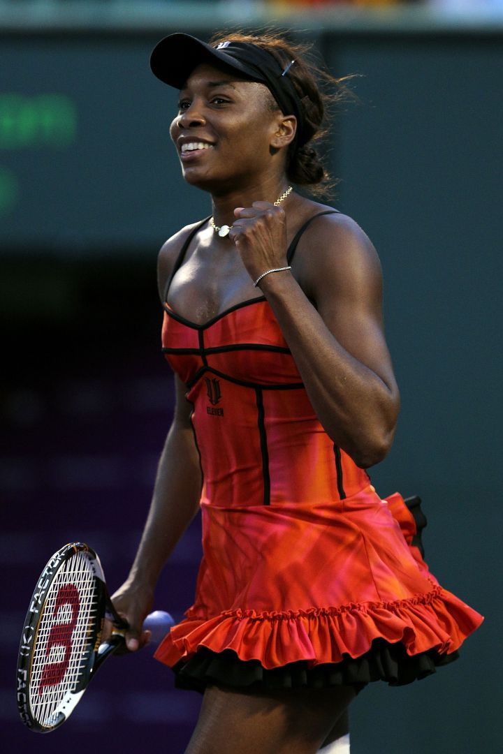 Venus gets sexy on the court at the 2010 Sony Ericsson Open.