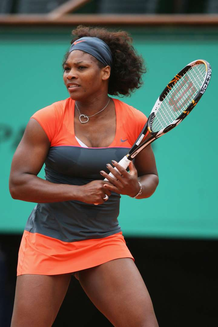 Serena experiments with a little color blocking at the 2009 French Open