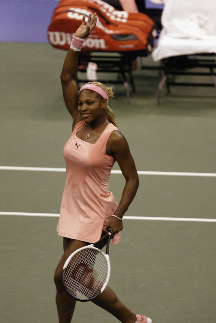 Serena is just a peach at the 2002 Home Depot Championships.