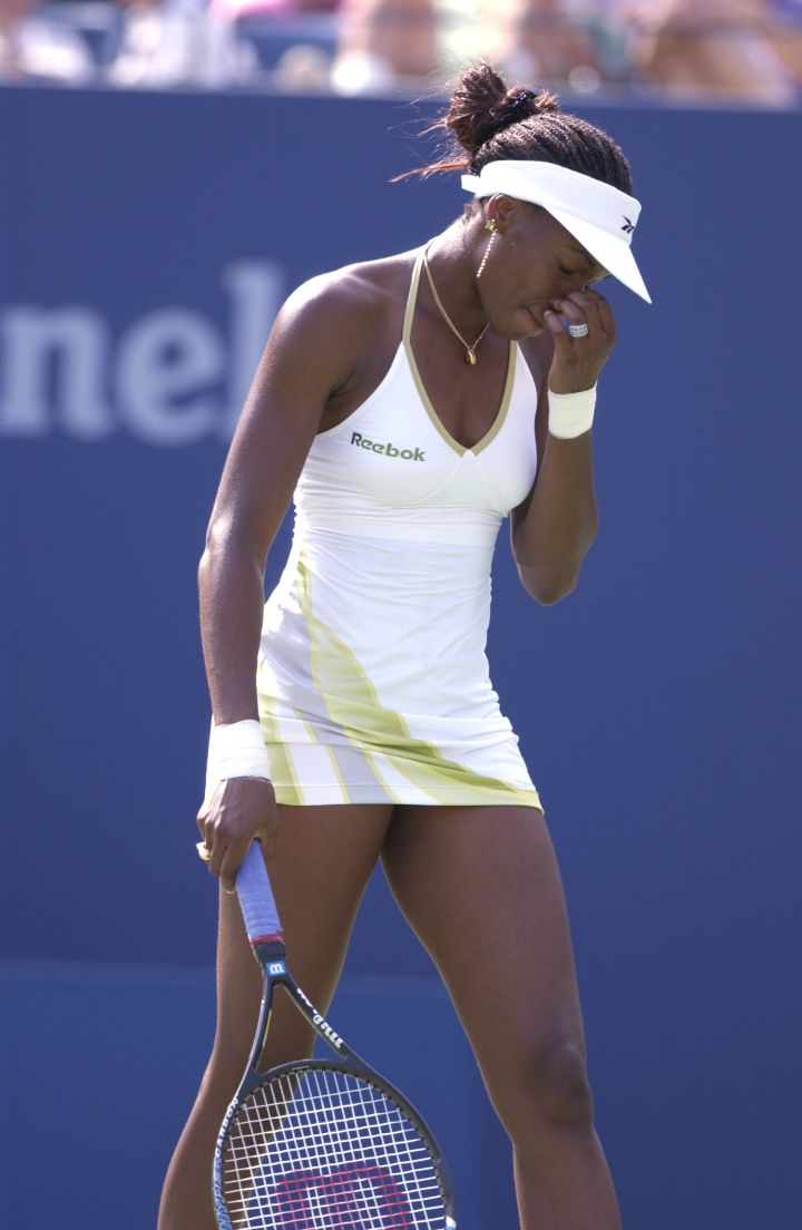 Venus rocks a spaghetti strap halter at the 2001 US Open.