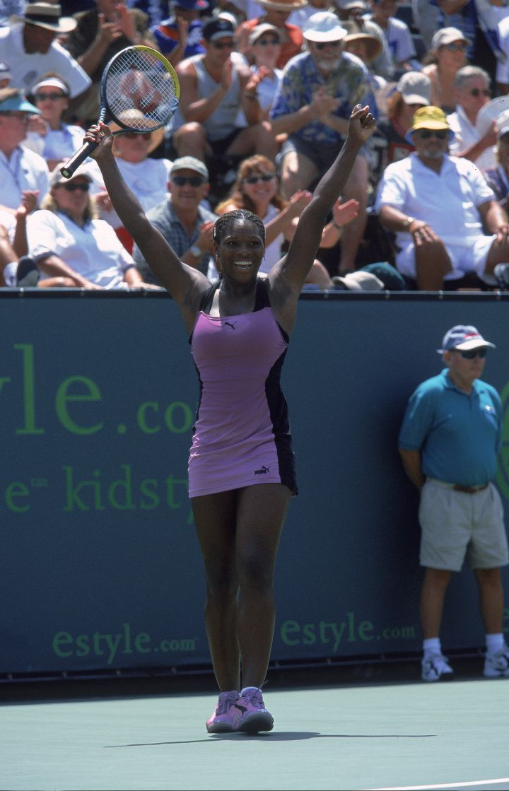 Serena goes pastel purple at the eStyle.Com Classic in 2000.