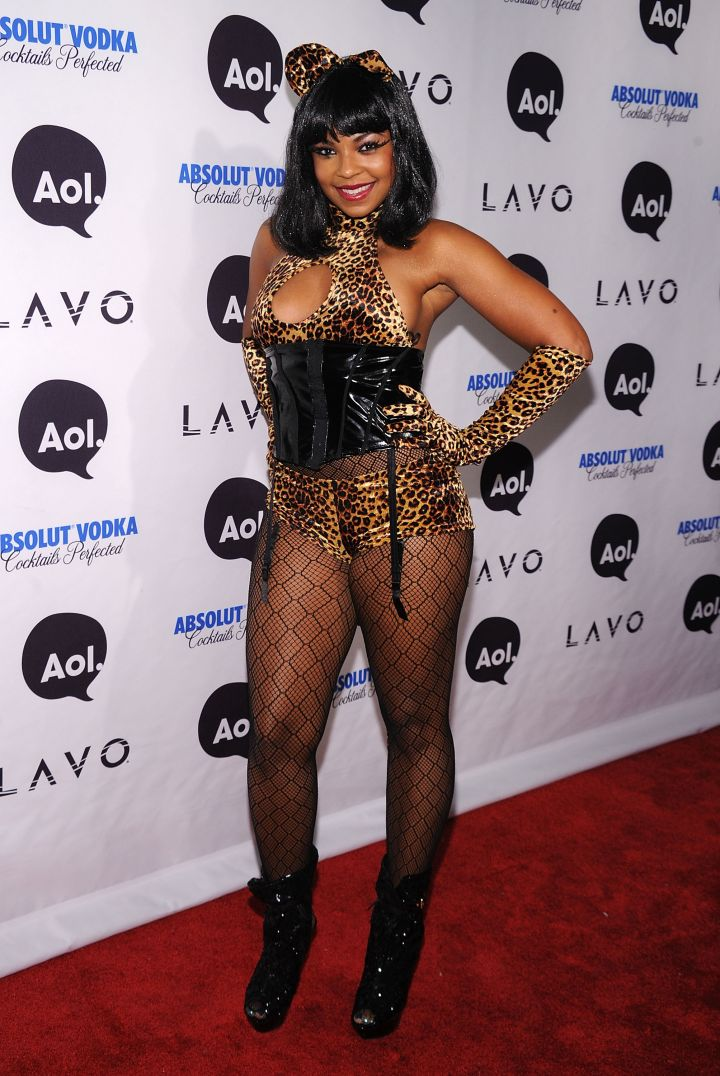Ashanti's costume gives super DIY vibes.
