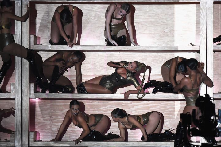 Beyoncé and her dancers perform for TIDAL X: 1015.