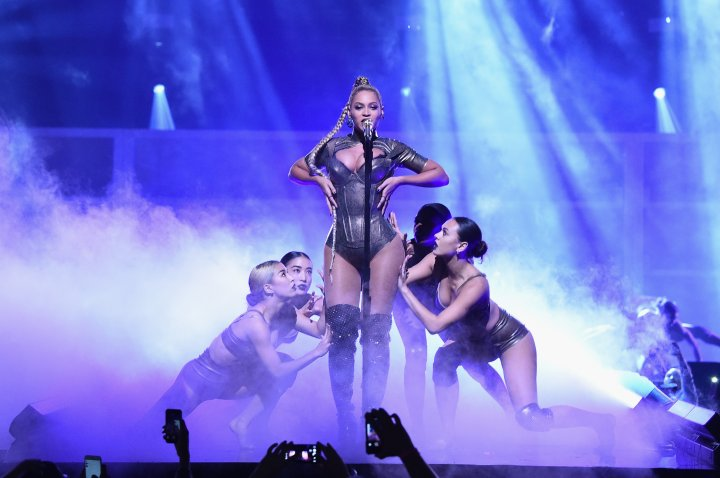 Bey and her dancers lock in.