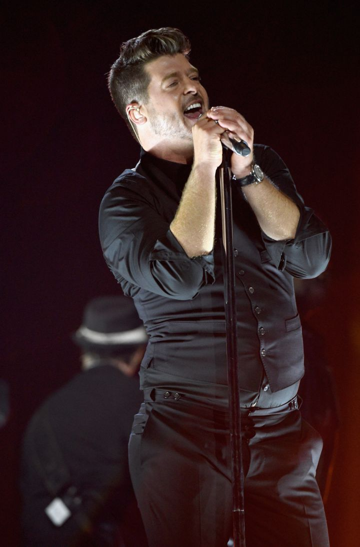 Robin Thicke sings his heart out for the benefit concert.