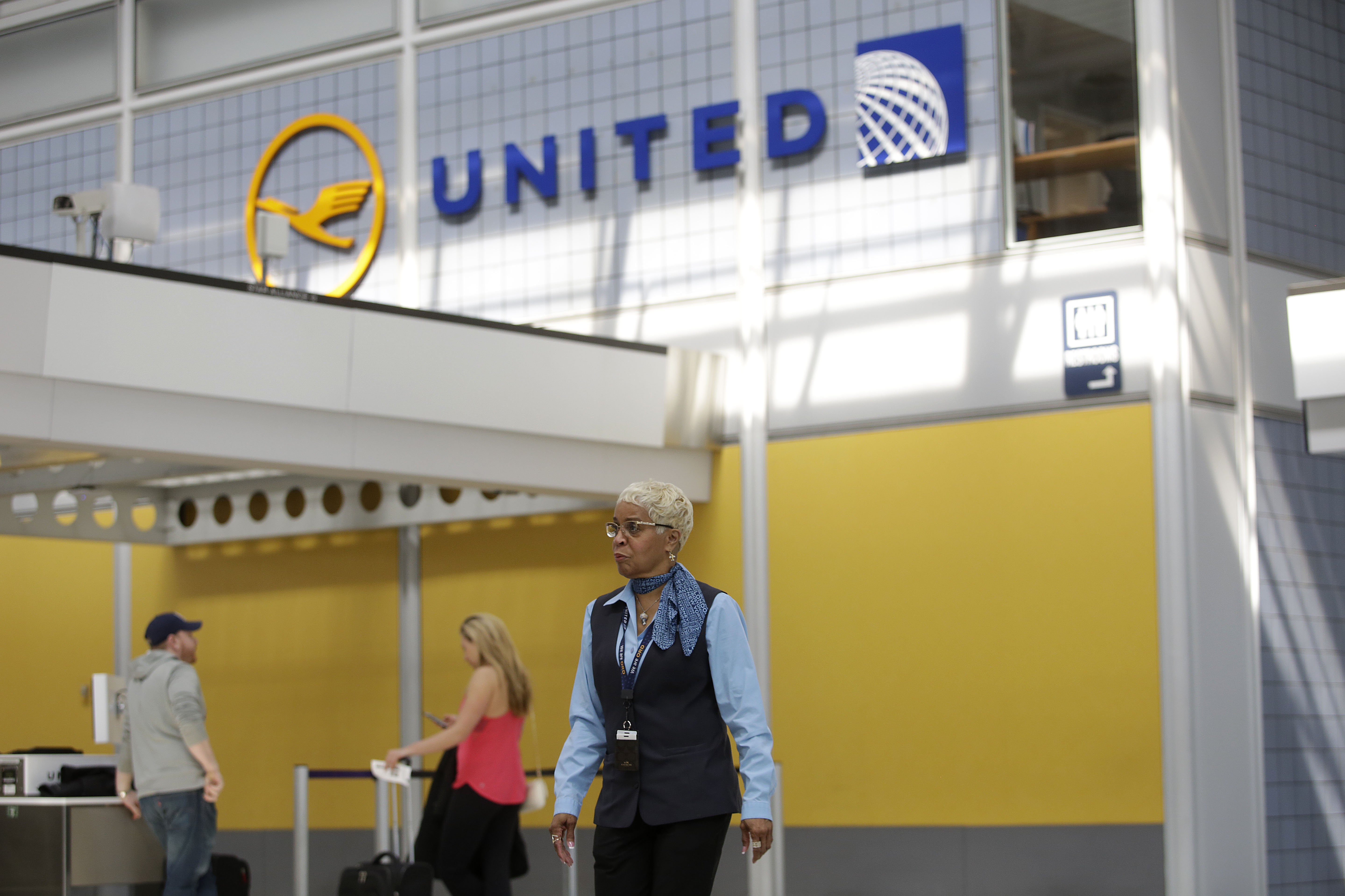 US-AVIATION-UNITED-AIRLINES-PASSENGER-ABUSE