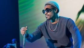 More People Have Spotted André 3000 Playing The Flute In The Most Random Places
